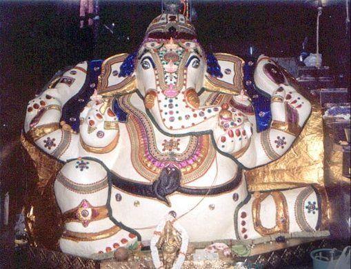 Sri Dodda Ganapati Temple / ದೊಡ್ಡ ಗಣಪತಿ ದೇವಾಲಯ