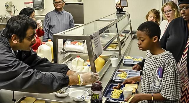 Karunamayi Amma serves at Atlanta's Task Force for Homeless