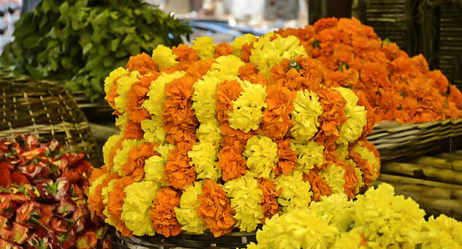Flower Decoration (Daily) / ಹೂವಿನ ಅಲಂಕಾರ (ಪ್ರತಿ ದಿನ)