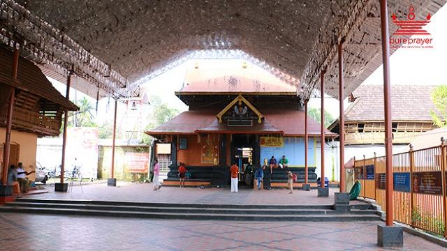 Kumaranalloor Devi Temple – Kottayam