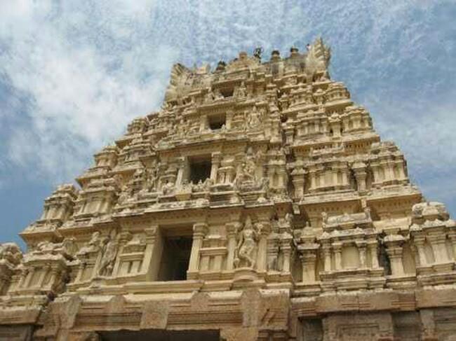 ಶ್ರೀ ರಂಗನಾಥಸ್ವಾಮಿ ದೇವಸ್ಥಾನ – ಶ್ರೀರಂಗಪಟ್ಟಣ / Sri Ranganathaswamy Temple – Srirangapattana